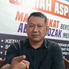 Ketua Komisi I DPRD Kota Bekasi, Abdul Rojak atau Bang Jack terlihat geram dengan aksi rasisme yang dilakukan oknum ormas.
